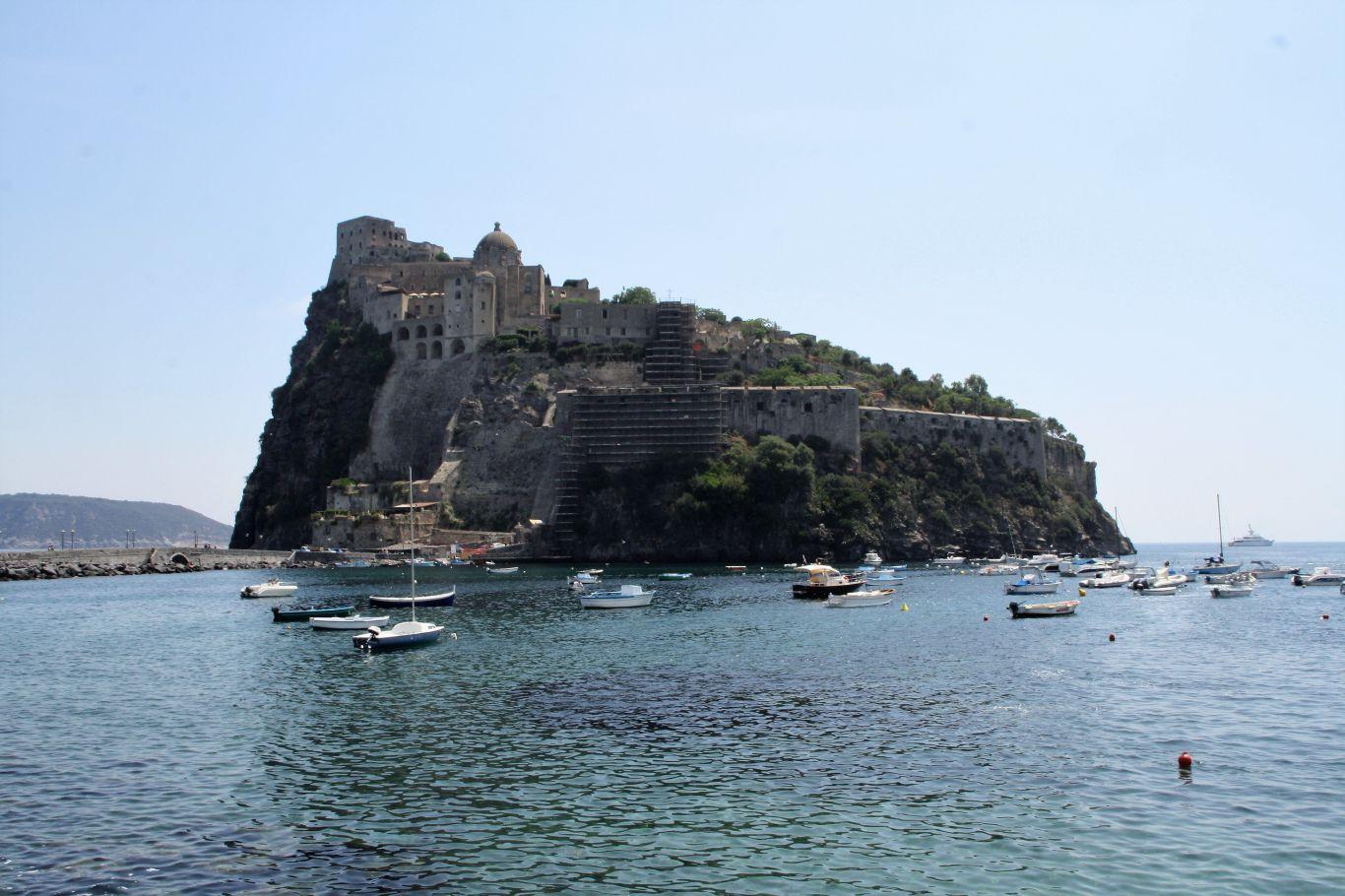 Ischia Castello Aragonese di sera